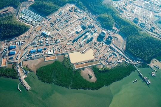 155536-bechtel-queensland-curtis-island-lng-aerial-view-project-2013.jpg