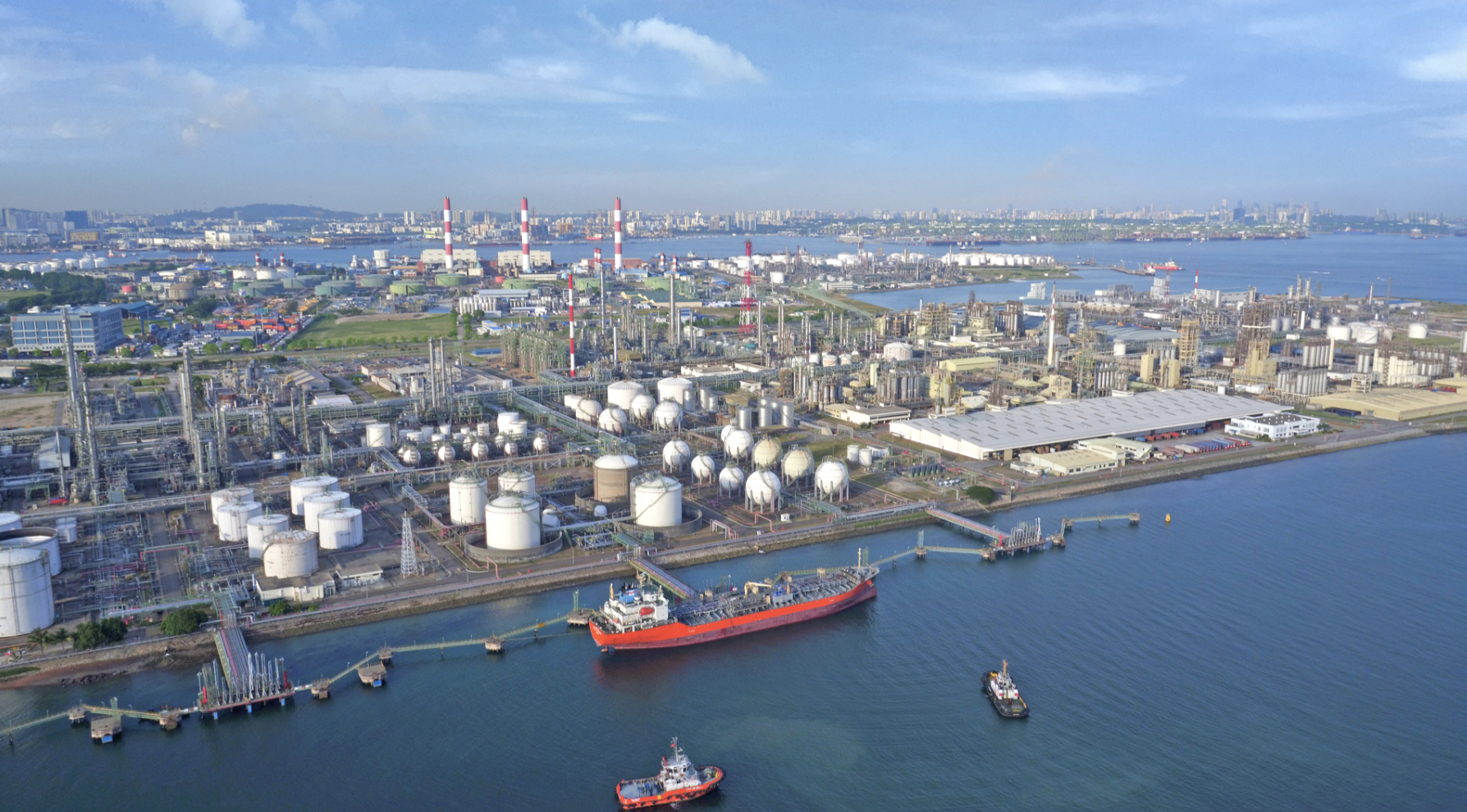 THE Jurong Island Petrochemical Hub (courtesy of Surbana Jurong)