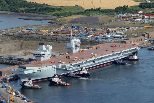 1200px-HMS_Queen_Elizabeth_in_Rosyth_Dockyard_MOD_45158230.jpg