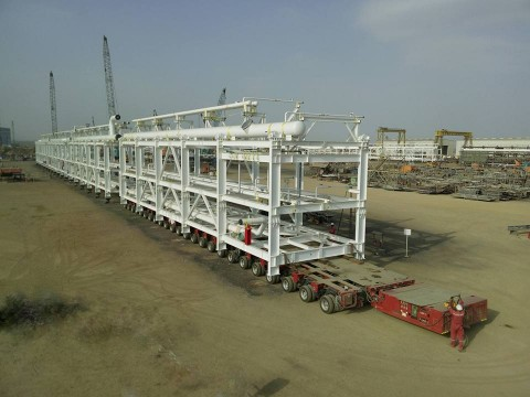 Lift-Shift-24-axle-lines-3-file-SPMT-in-Oman-for-Rabab-Harweel-Integrated-Project-8-www.heavyliftphoto.com_.jpg