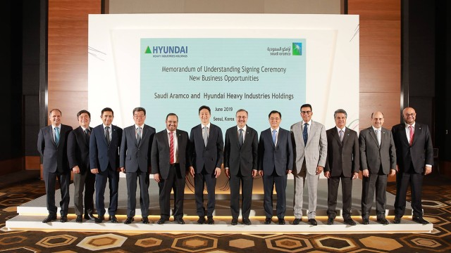 Executives-of-Saudi-Aramco-and-HHIH.jpg
