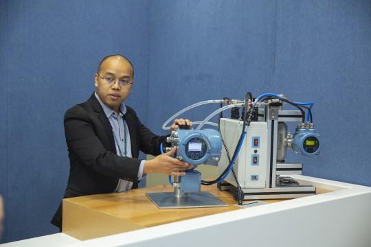 new-digital-classroom-helps-train-next-generation-workforce-virtually-in-middle-east-africa-en-ae-7002760.jpg
