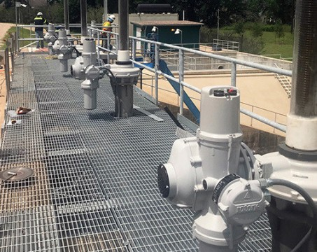 rotork-intelligent-electric-actuators-with-gearboxes-used-to-provide-flood-protection-in-texas.jpg